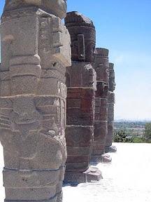 Космонавты в скафандрах из г.Тула (Мексика)3.jpg