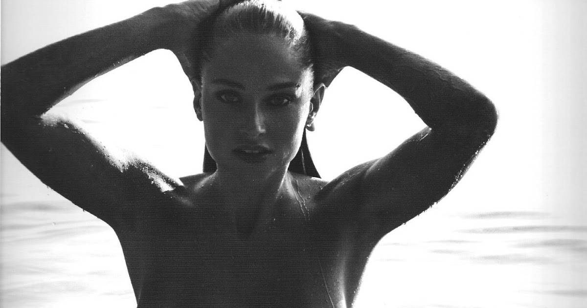 Genevieve Morton - 2017 Calendar Naked Photoshoot (Uncensored)