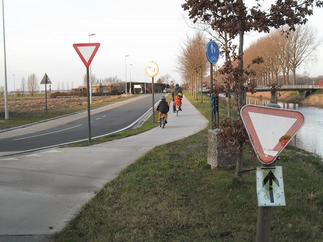 Schipdonkkanaal Deinze - Eeklo (Fietssnelweg F422) - Knokke (of Afleidingskanaal van de Leie) Zondag%2520027