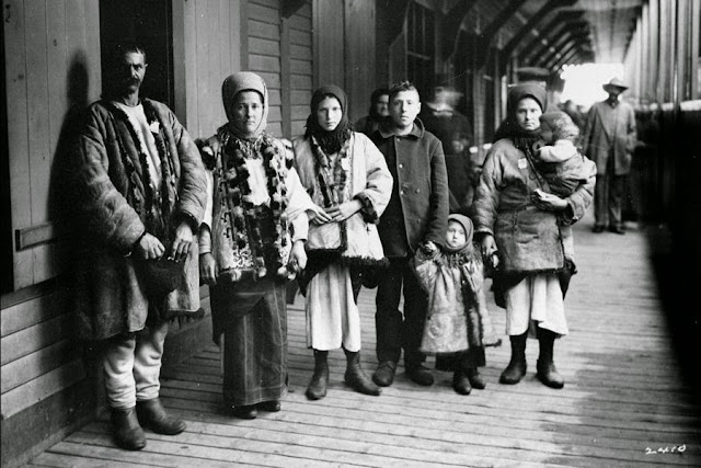 A family of Ukrainian immigrants in Quebec City 1897