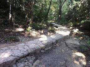 石畳の通路