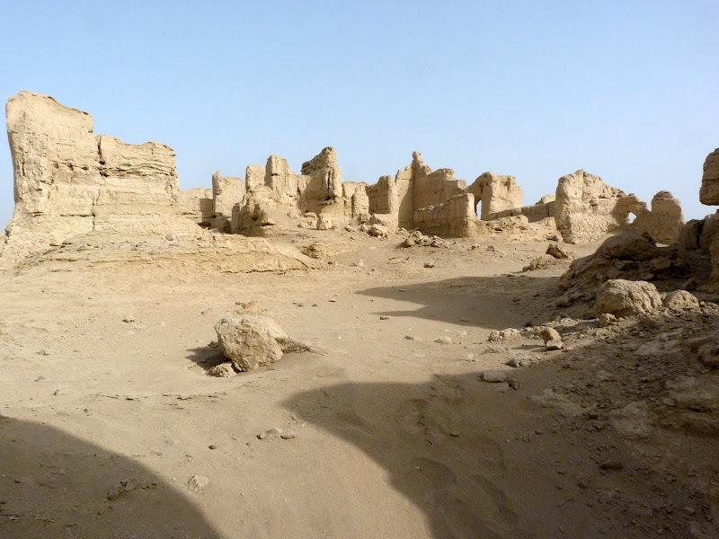 XINJIANG.  Turpan. Ancient city of Jiaohe, Flaming Mountains, Karez, Bezelik Thousand Budda caves - P1270783.JPG