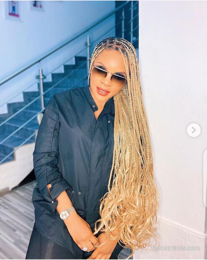 Laura Ikeji show off her new long braids (Photos)