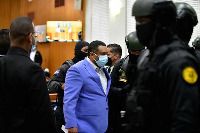 """""""Una para que hable y 200 para que se calle"""": Mayor Girón sacude el caso Coral y hunde al general Núñez de Aza"""