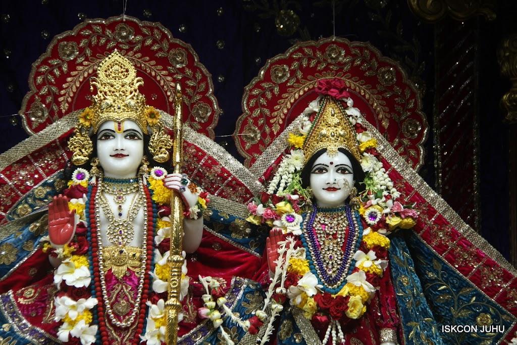 ISKCON Juhu Sringar Deity Darshan on 1st May 2016 (26)