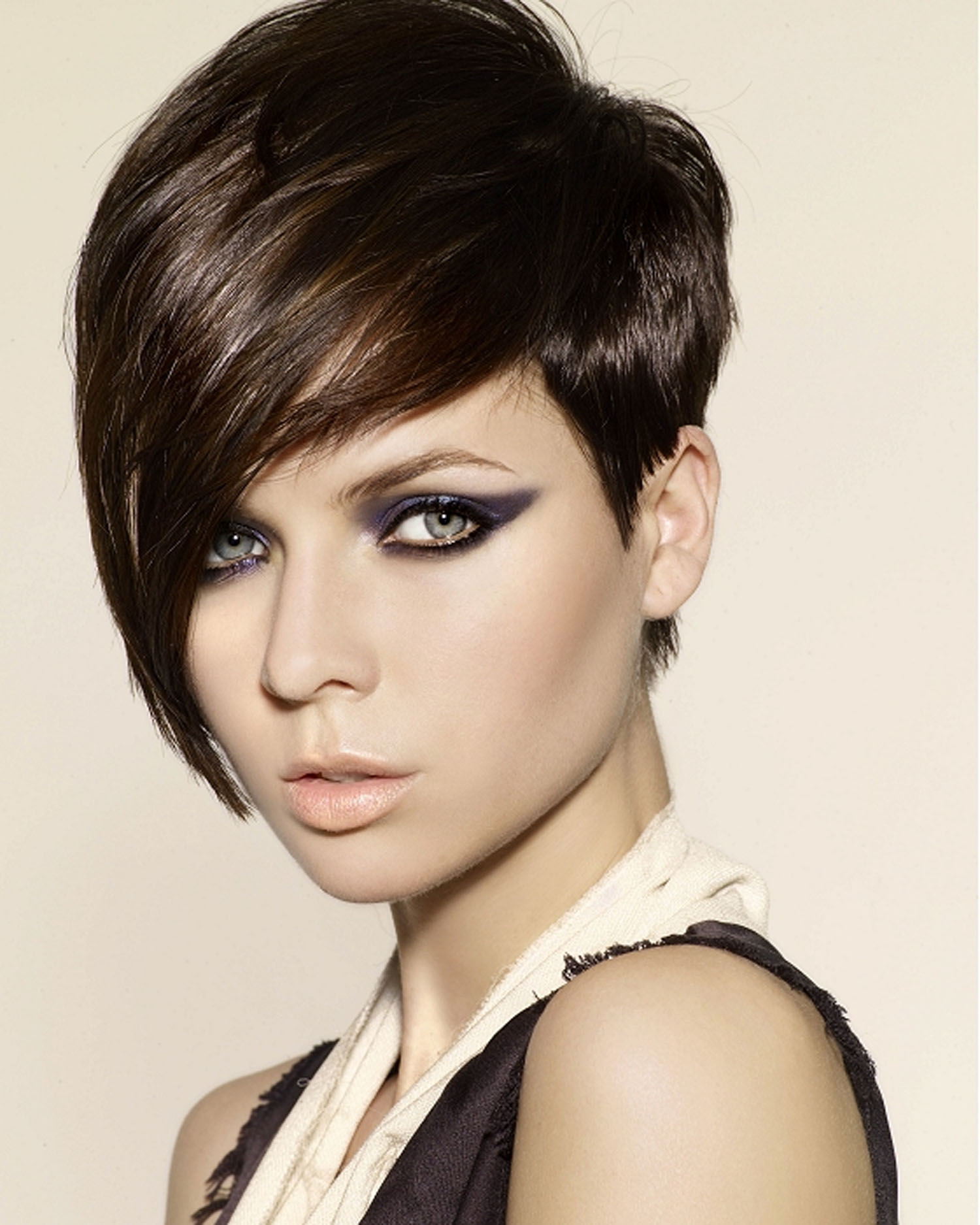 2018 Short Hair With Bangs For Women's 7