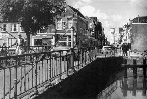 1960. Beatrixstraat&#x3B; keizersbrug over westgracht spoorgracht.jpg