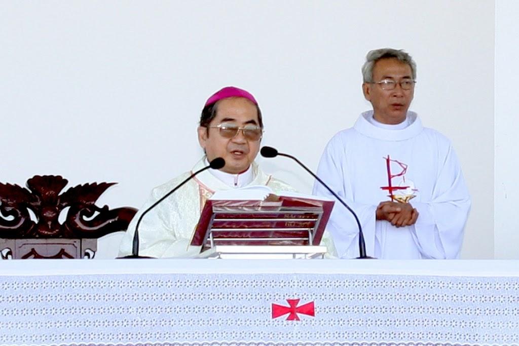 Bài giảng của Đức Cha Giuse tại Trung Tâm Thánh Mẫu Tàpao ngày 19.04.2012