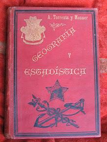 Tapa anterior con título y autor en dorado u grabados estampados.