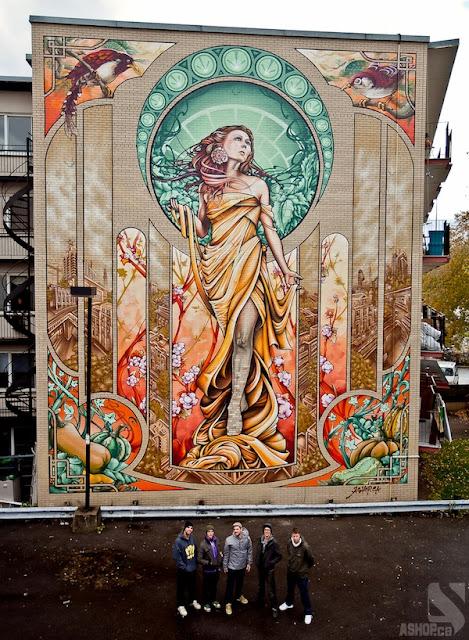 Espectacular graffiti art nouveau en un edificio de 5 plantas