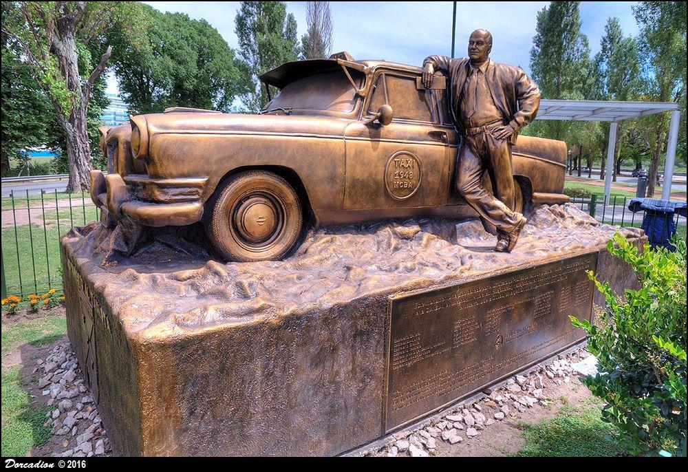 monumento-al-taxista-4