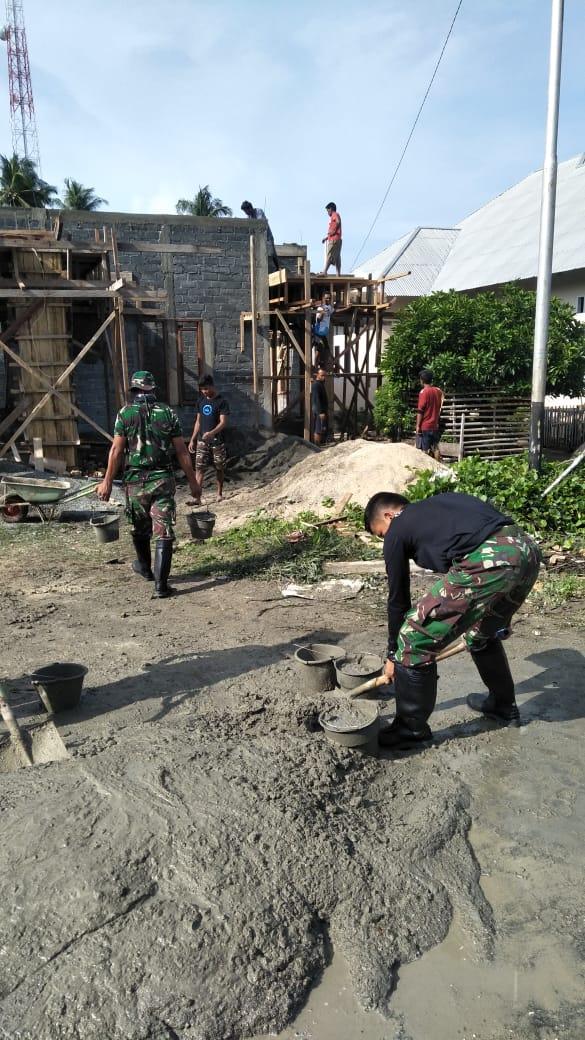 Satgas Yonarmed 9 Kostrad Bantu Pembangunan Masjid Nurul Hijrah Desa Bobula