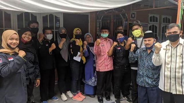 Lakukan Bakti Sosial, Karang Taruna Diapresiasi Sekda Kota Padang.