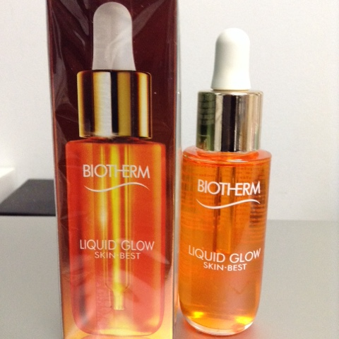 a simple moment biotherm liquid glow skin best review. Black Bedroom Furniture Sets. Home Design Ideas