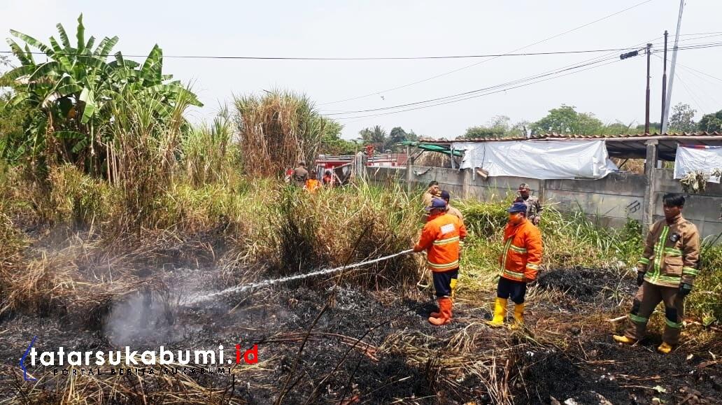 Kebakaran Lahan Ilalang di Warudoyong Sukabumi