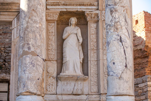 Library-of-Celsus-statue-5.jpg - Four statues on the front side of the Library of Celsus depict Wisdom, Virtue, Intellect and Knowledge.