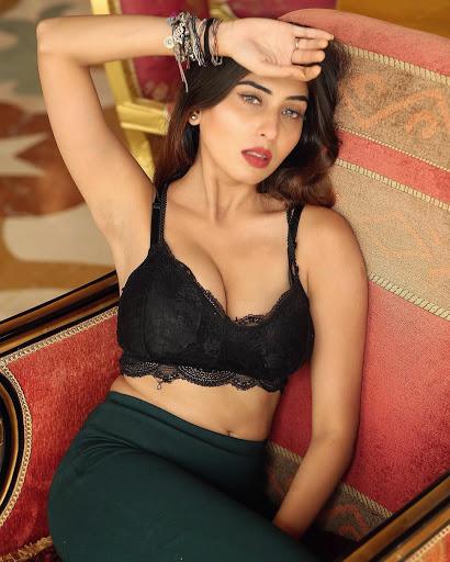 Ruma Sharmaa hot instagram photos