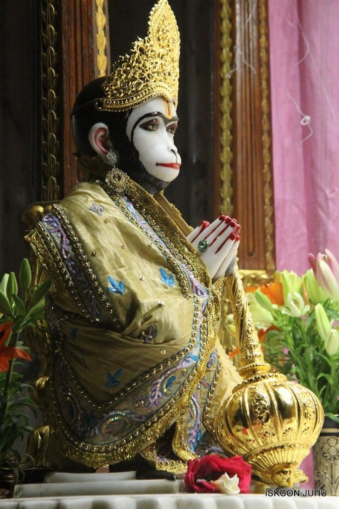 ISKCON Juhu Mangal Deity Darshan on 29th May 2016 (3)