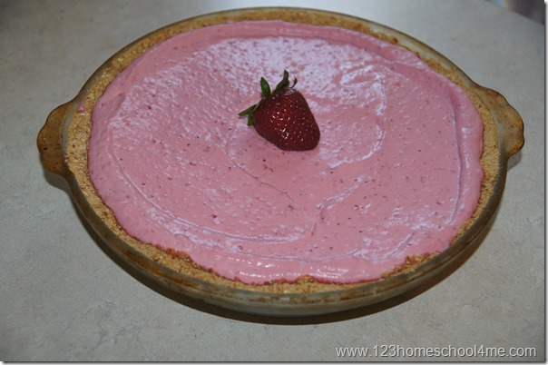 strawberry pretzel dessert without coolwhip or jello