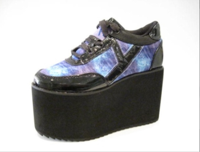 fashion shoes and clothes platform trainers 90s revival