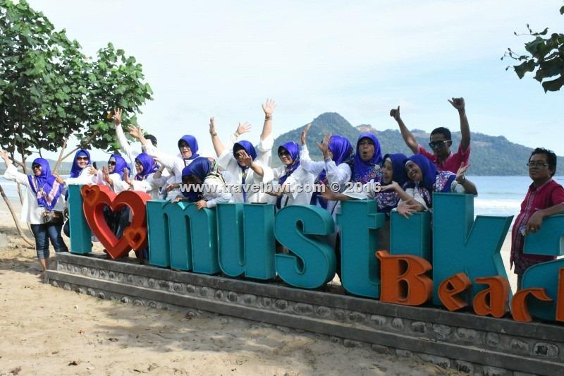 BWI Travel - Tour Wisata Banyuwangi - Pantai Mustika Pancer