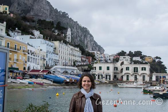 Capri adasında limanda