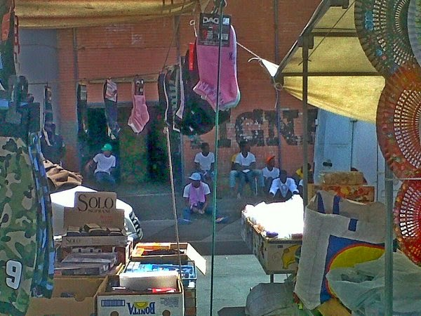 immigrati nel Pala Spedini Catania