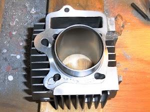 FIカブのシリンダー流用加工、シリンダーのクランクケース側