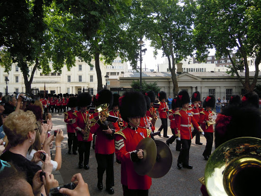 Complete Guide to the Changing of the Guards