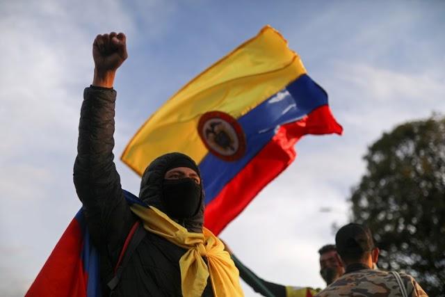 BERZAIN: El castrochavismo repite su método con golpe de estado en Colombia