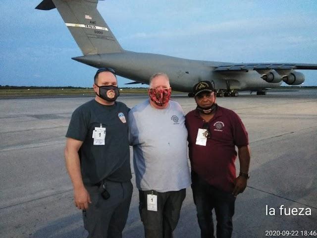Llega a RD avión militar de Estados Unidos con donaciones para bomberos de polo, Barahona.