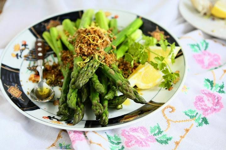 Asparagus with Crunchy Gremolata Crumbs