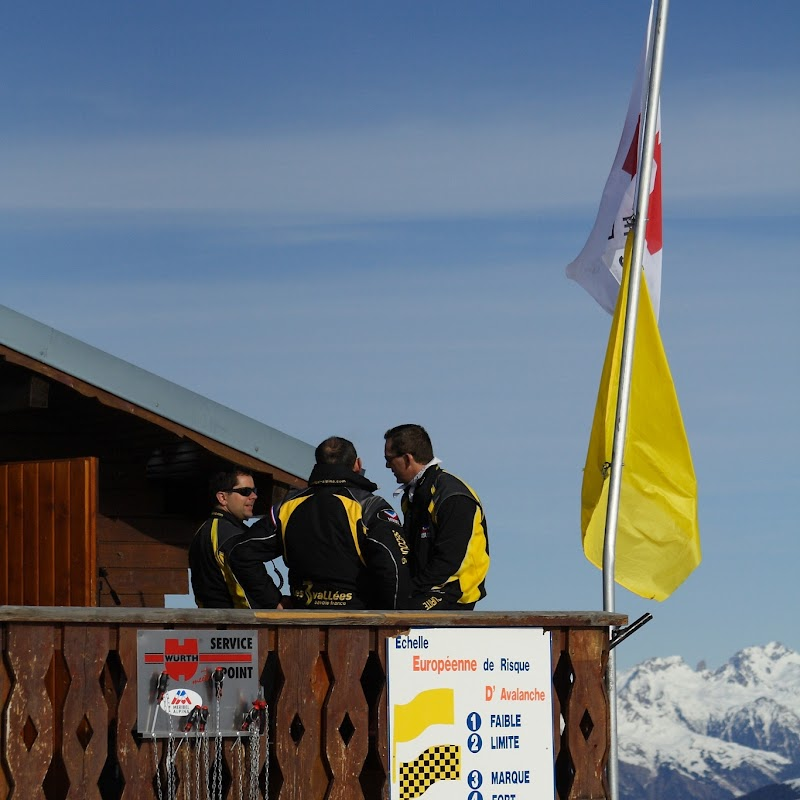 Meribel_52 Instructors.jpg