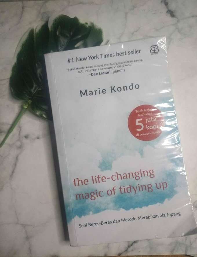 Review The Life-Changing Magic of Tidying Up by Marie Kondo
