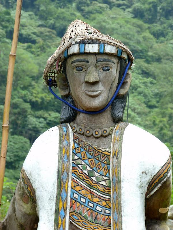 Puli  en passant , entre autres, par les villages de l ethnie Bunum de Loloko et Dili. J 10 - P1170010.JPG