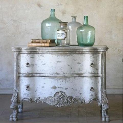 C moda en gris franc s y blanco antiguo la c moda encantada for Muebles pintados en gris