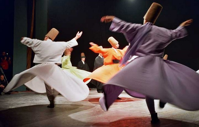 whirling-sufi-dervish-sema-dance