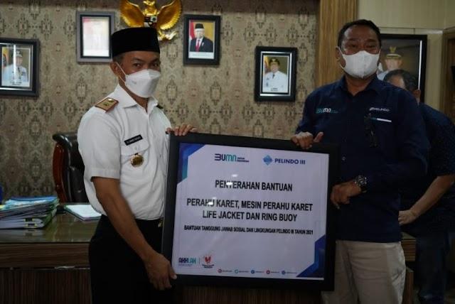 Pemkab Tanbu Terima Bantuan Perahu Karet Untuk Penanganan Bencana Alam