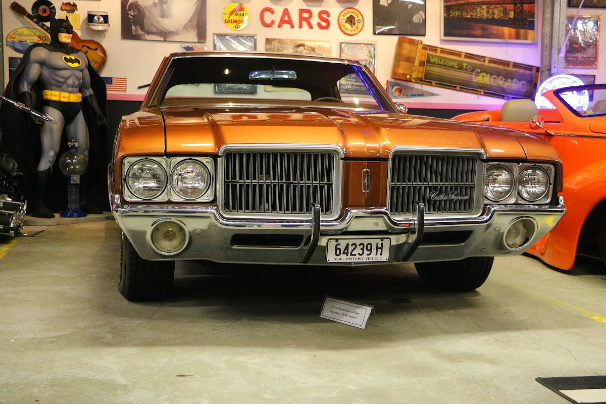 1971 Oldsmobile Cutlass Supreme (03).jpg