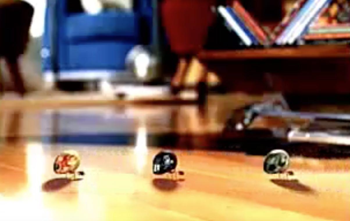 Premiado comercial em sua sequência para promover a linha de equipamentos de som da Philco com divertidas formigas