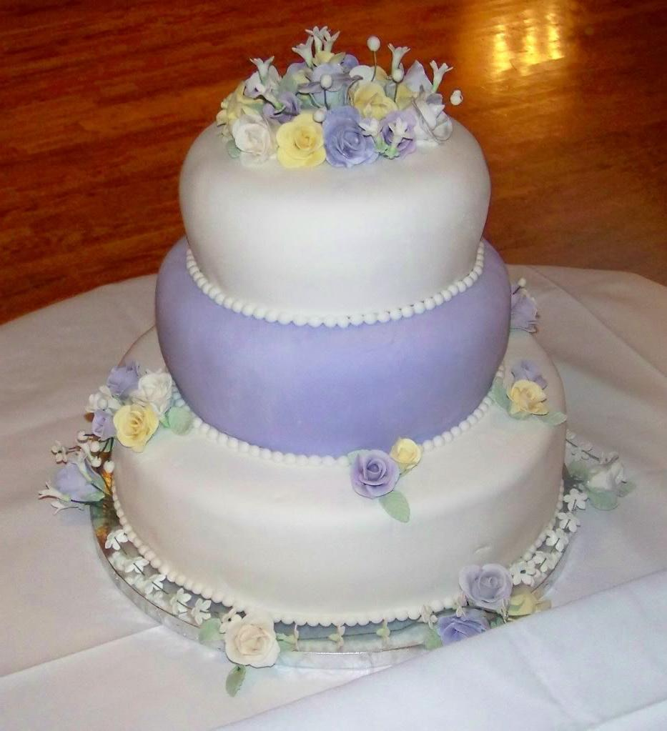 wedding2.jpg White & Lavender Wedding Cake