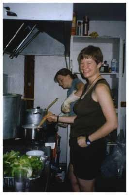 Camp 2006 - kitchen_staff_02.jpg