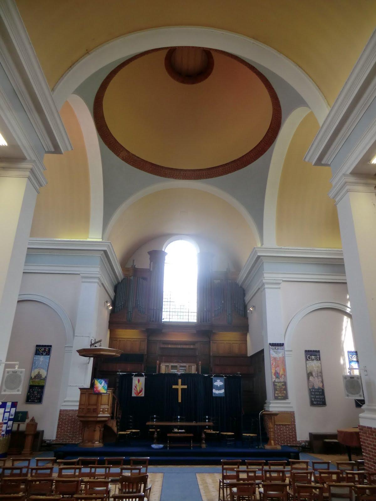CIMG9568 Free Church, Hampstead Garden Suburb