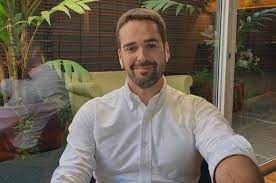 Eduardo Leite recebe apoio nas redes sociais após se assumir gay