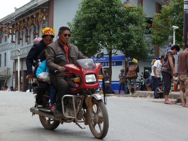 CHINE SICHUAN.XI CHANG ET MINORITE YI, à 1 heure de route de la ville - 1sichuan%2B1065.JPG