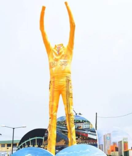 See What A Student Of University Of Ilorin Wrote About The Missing Head Of FELA ANIKULAPO Statue In Lagos