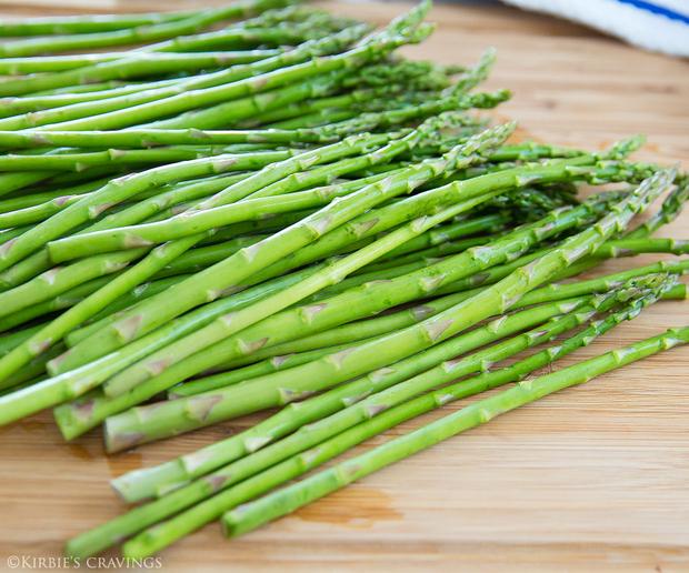 process photo of raw asparagus
