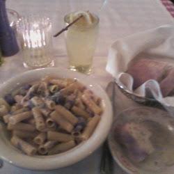 Maggiano's Little Italy's profile photo