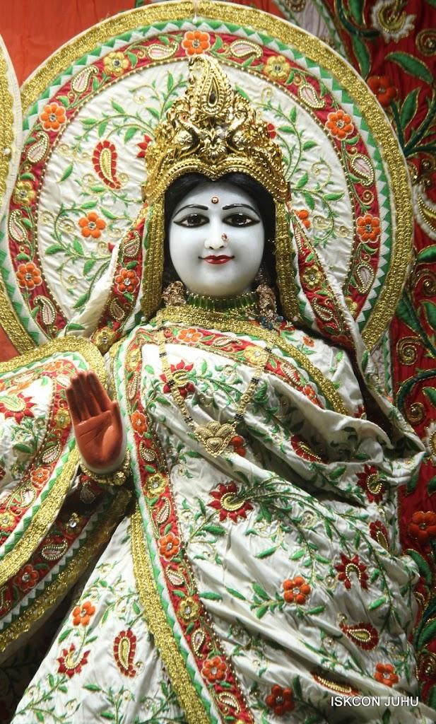 ISKCON Juhu Mangal Deity Darshan on 28th June 2016 (20)
