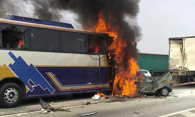Acidente entre ônibus, caminhão e carros deixa seis mortos em SP